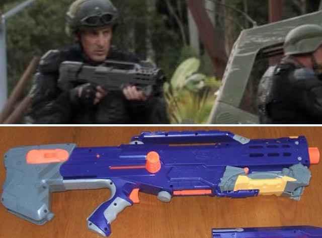 Le fusil de Terra nova est un jouet en plastique modifié