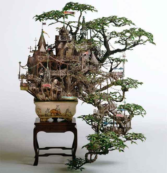 Takanori Aiba - Un incroyable château sculpté dans un Bonsaï