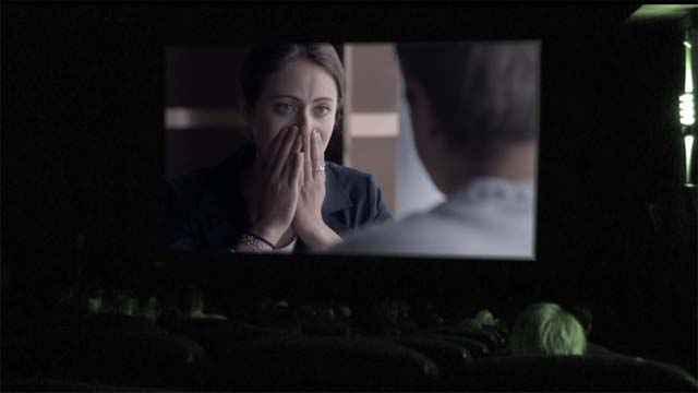 Que se passe t'il quand un zombie entre dans une salle de cinéma?