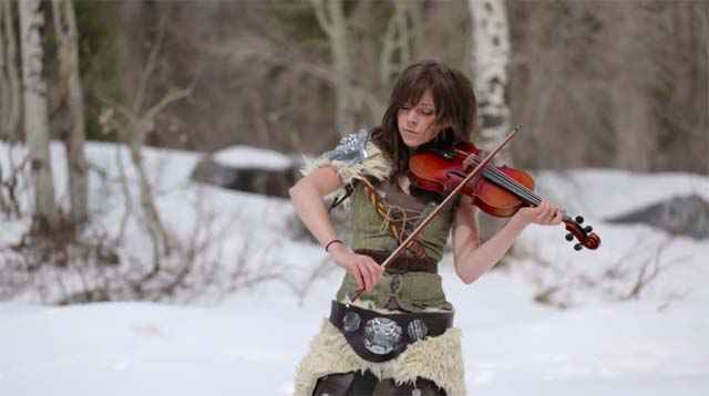 Skyrim- Peter Hollens & Lindsey Stirling au violon