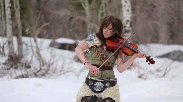 Skyrim- Peter Hollens & Lindsey Stirling au violon