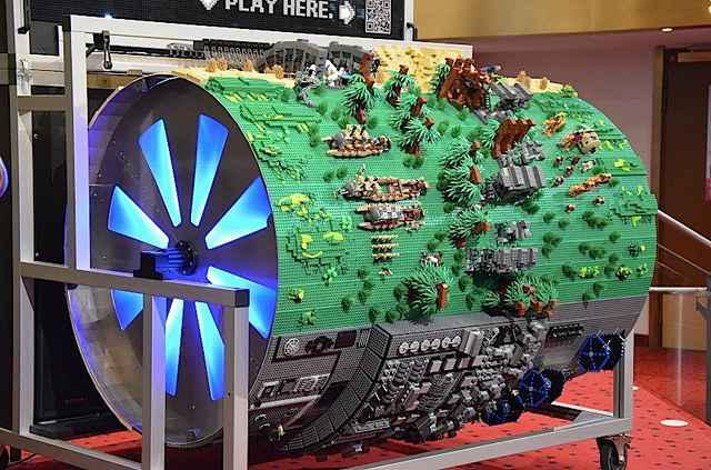 Un orgue de barbarie en Lego qui joue le thème de Star Wars
