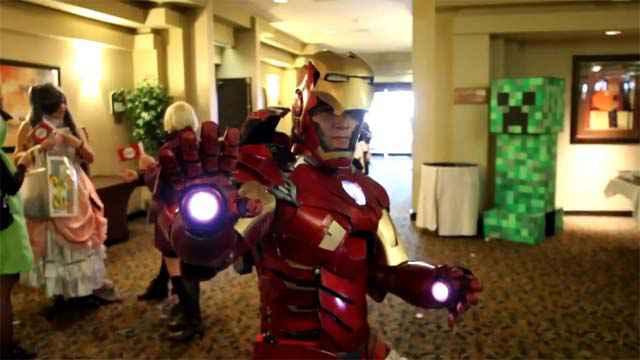 Iron Man - Un incroyable cosplay motorisé Mark VII