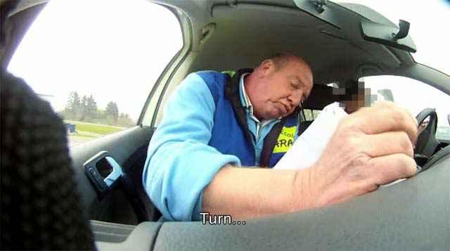 Une auto-école qui apprend à écrire des textos en conduisant