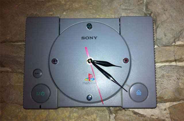 DIY - Transformer une Playstation 1 en horloge geek