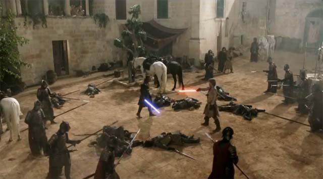 Game of Thrones - Le duel de Jaimie Lannister et Eddard Stark au sabre laser