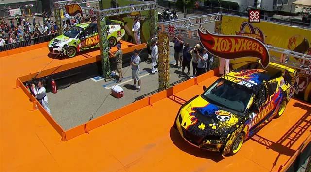 Un double looping Hot Wheels au X-Games de Los Angeles