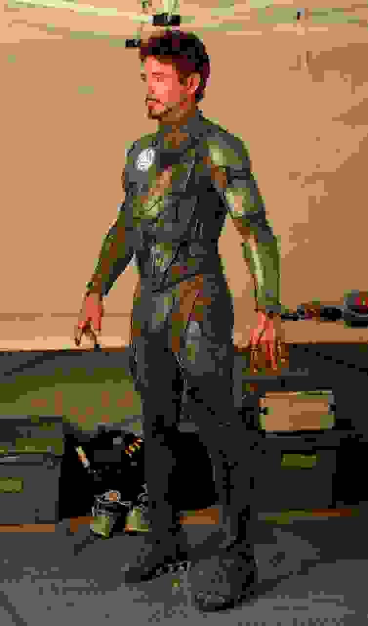 Quelle est cette armure que porte Tony Stark sur cette photo ?