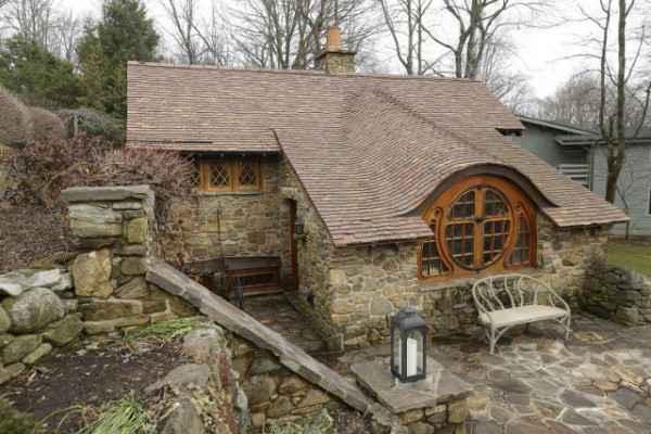 hobbit-house-2-600x400