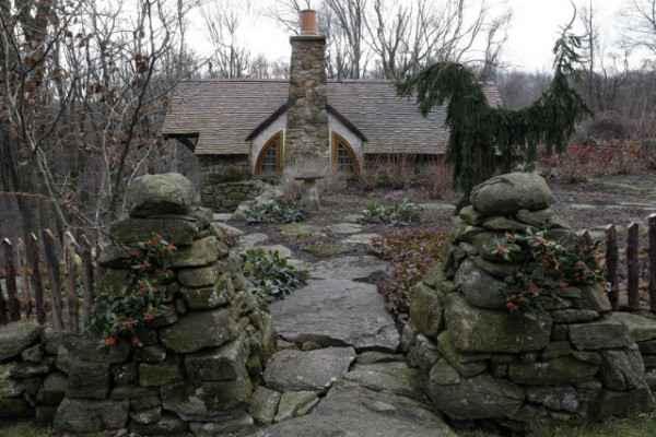 hobbit-house-4-600x400