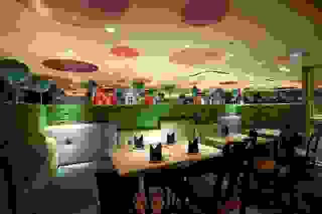 alice-in-wonderland-restaurant3