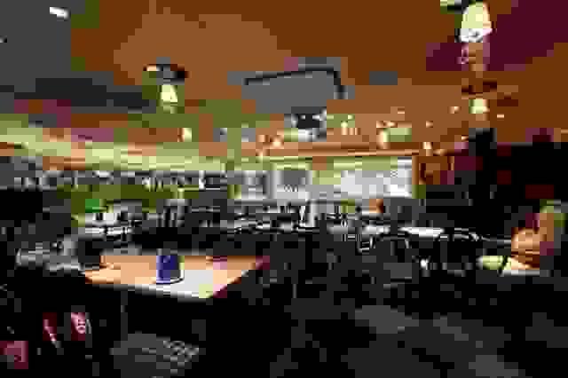 alice-in-wonderland-restaurant5