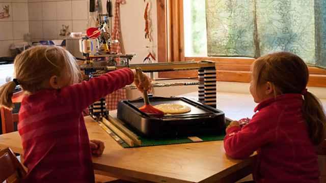 lego-pancakebot-robot-qui-fabrique-des-crepes