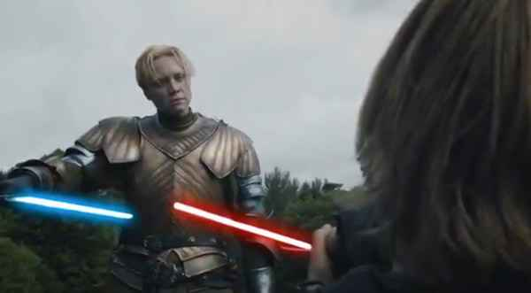 Game Of Thrones : Jaime Lannister Vs Brienne De Tarth au sabre laser
