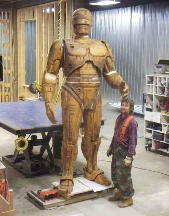 La statue de Robocop est presque prête !