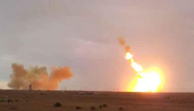 Un impressionnant crash de la fusée Russe Proton-M (Vidéo)