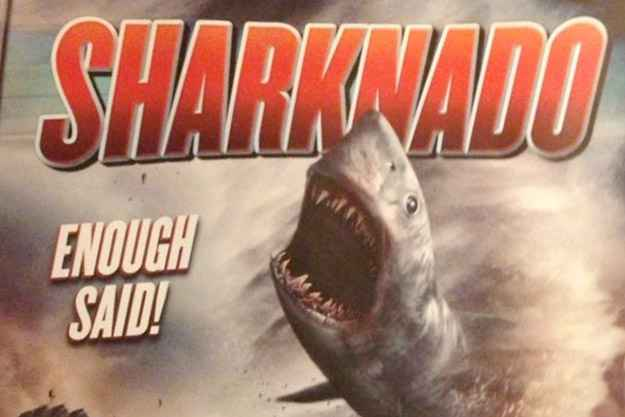 Sharknado : Tornade et requin volant - La bande annonce d'un bon film WTF !