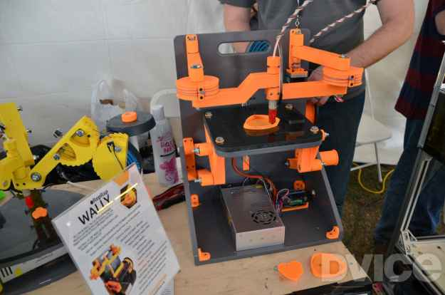 wally-3d-printer-maker-faire-2013