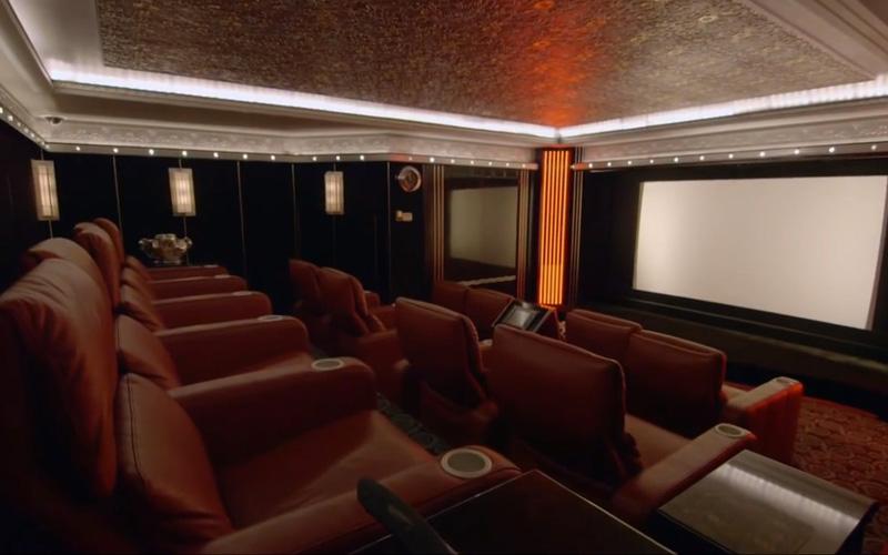plus chere salle de cinema privee 1 neozone. Black Bedroom Furniture Sets. Home Design Ideas