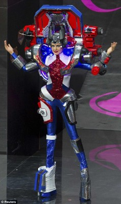 miss-univers-2013-America-Transformers