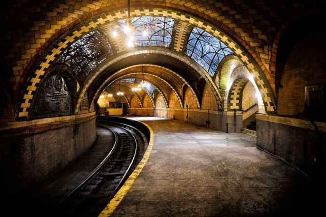 Most-Impressive-Subway-Stations-In-The-World1__880-660x439
