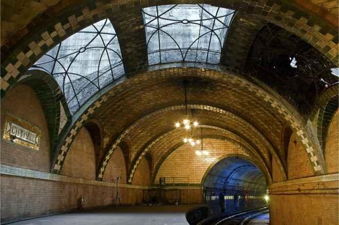 impressive-metro-subway-underground-stations-24-660x439
