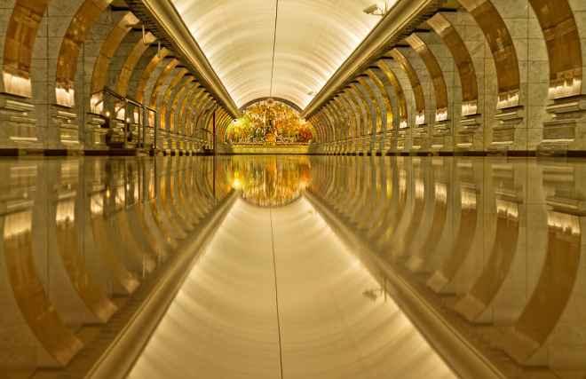 impressive-metro-subway-underground-stations-28-660x427