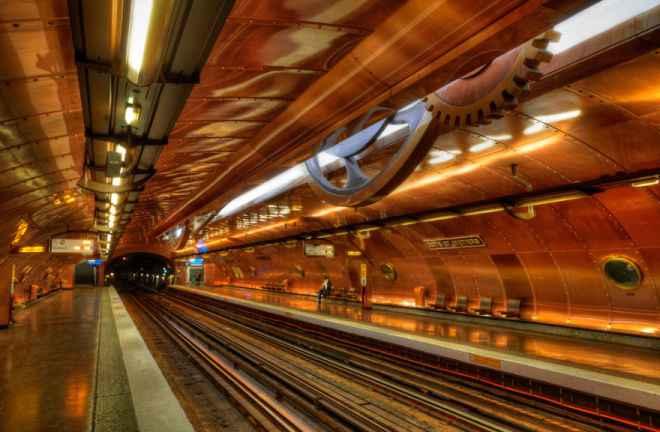 impressive-metro-subway-underground-stations-40__880-660x432