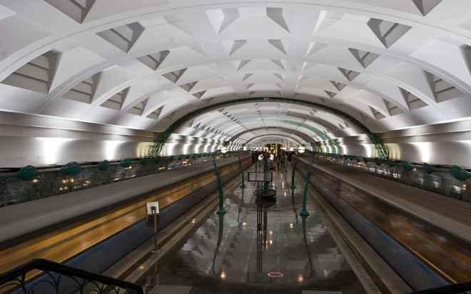 impressive-metro-subway-underground-stations-44-660x412