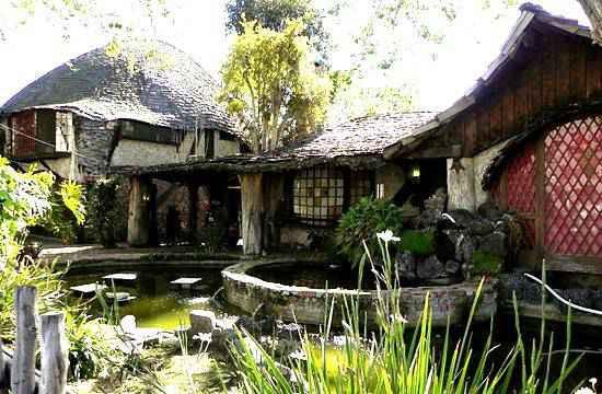 hobbit-cottage-1