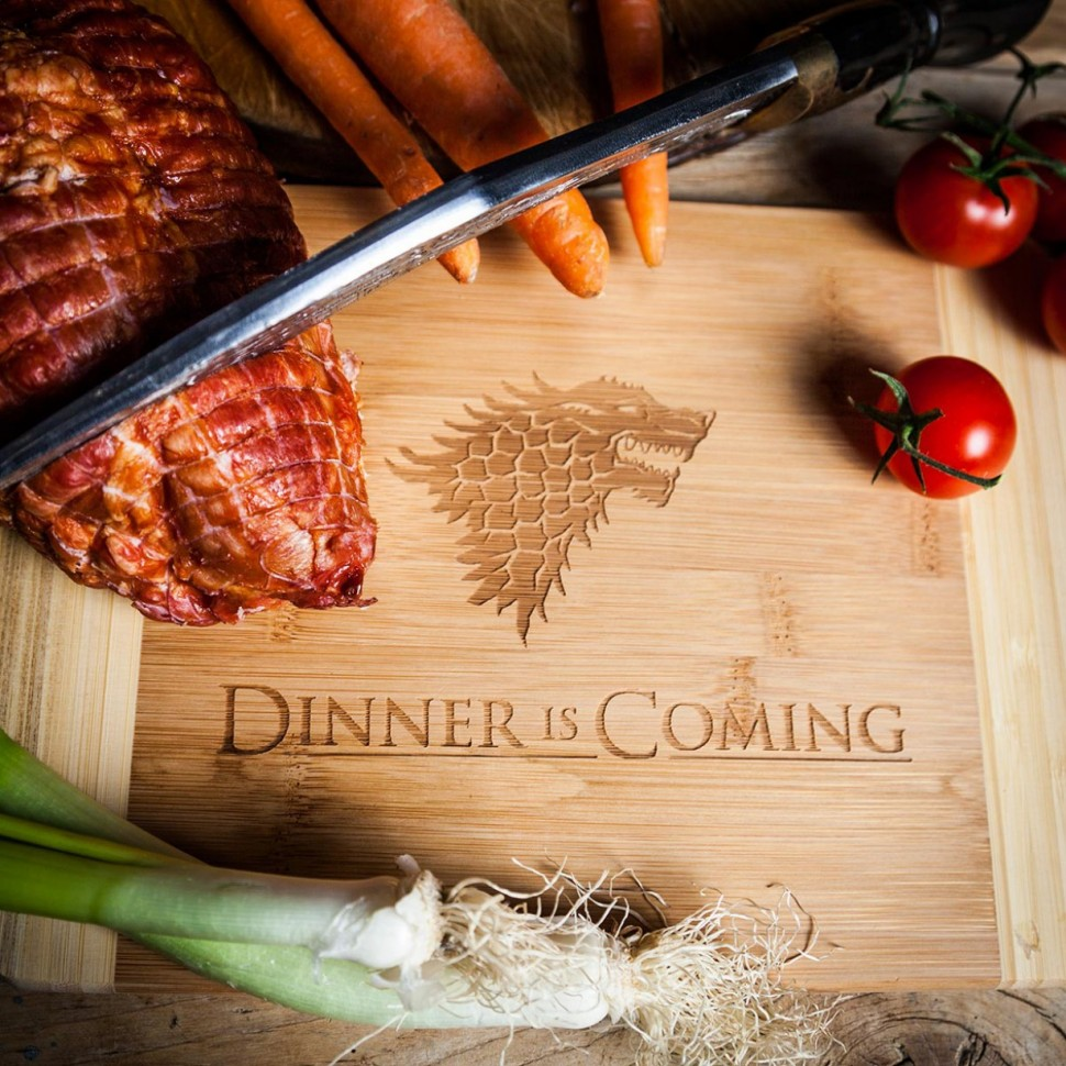dinner-is-coming-planche-a-decouper-738