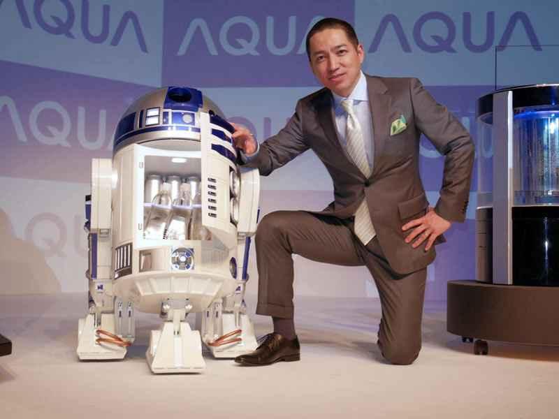 R2D2-Refrigerateur-robotise-a-taille-reelle