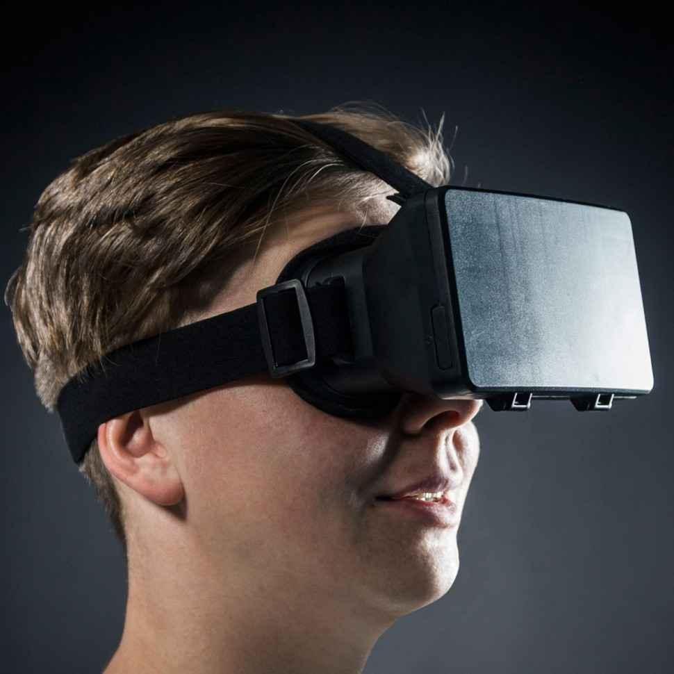 casque-de-realite-virtuelle-pour-smartphones-9e0
