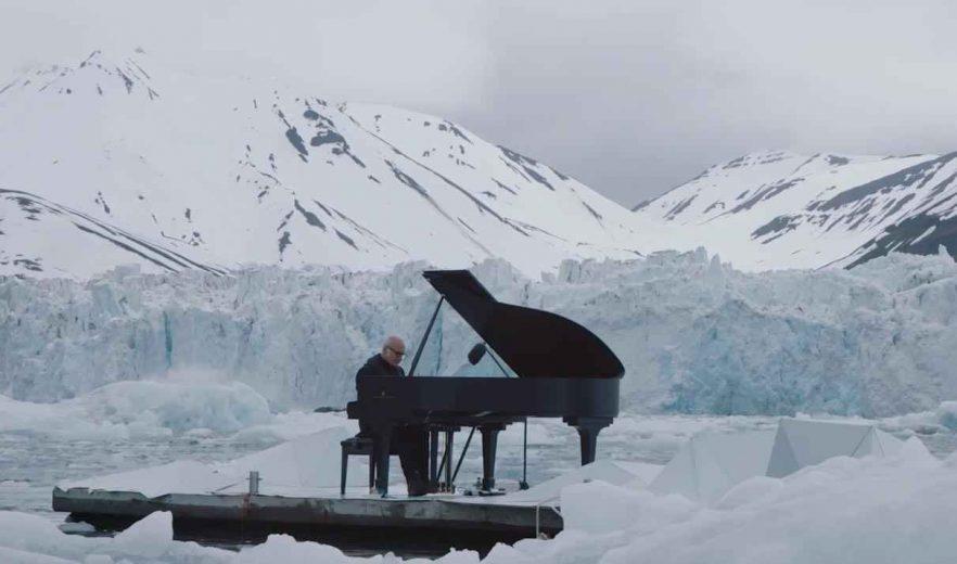 LudovicoEinaudi-piano-artic-Greenpeace-004