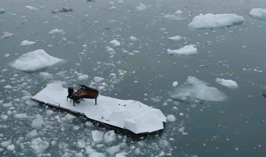 LudovicoEinaudi-piano-artic-Greenpeace-006