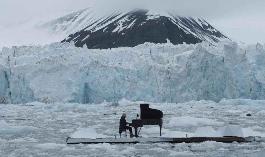 LudovicoEinaudi-piano-artic-Greenpeace-007