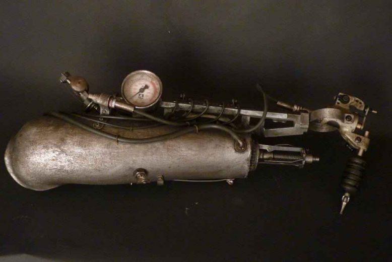 bras-tatoueur-steampunk-biomeca-lyon-001
