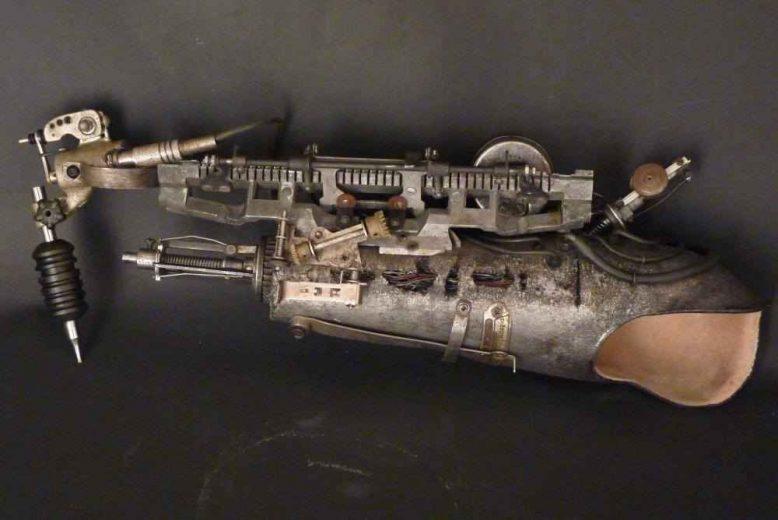 bras-tatoueur-steampunk-biomeca-lyon-002