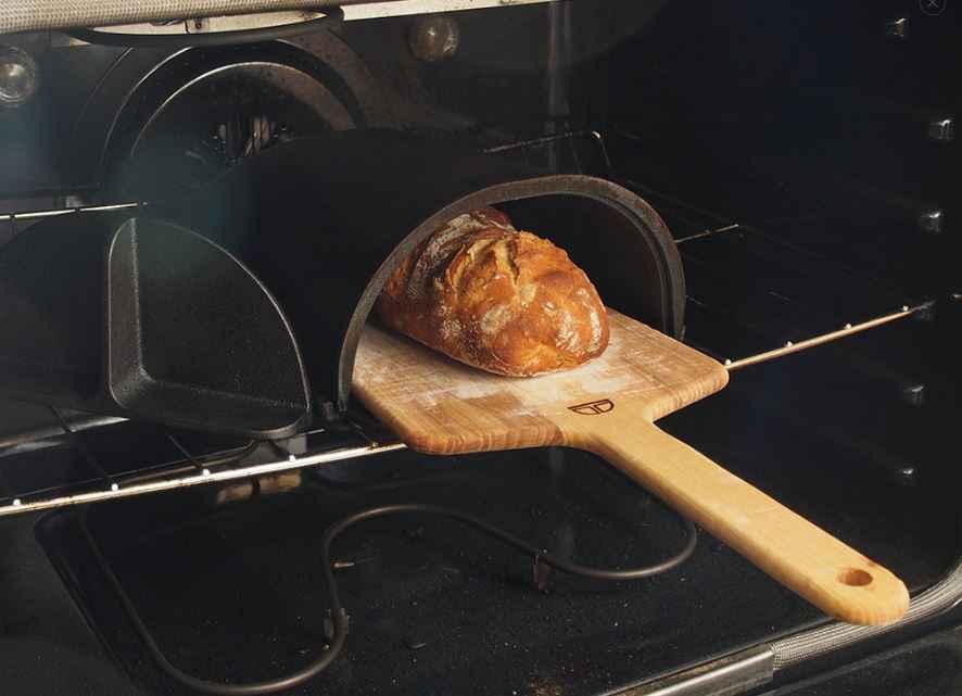 fourneau le mini four en fonte pour cuire son propre pain neozone. Black Bedroom Furniture Sets. Home Design Ideas