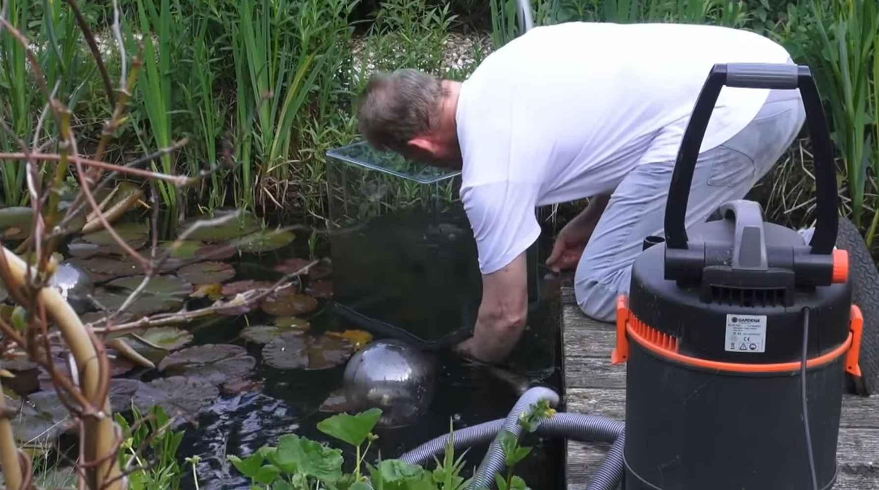 Comment faire une tour poissons avec un aquarium invers for Remplir un aquarium poisson rouge