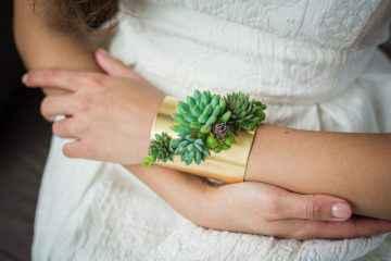 Ces végétaux placés sur des bijoux poussent quand vous les portez