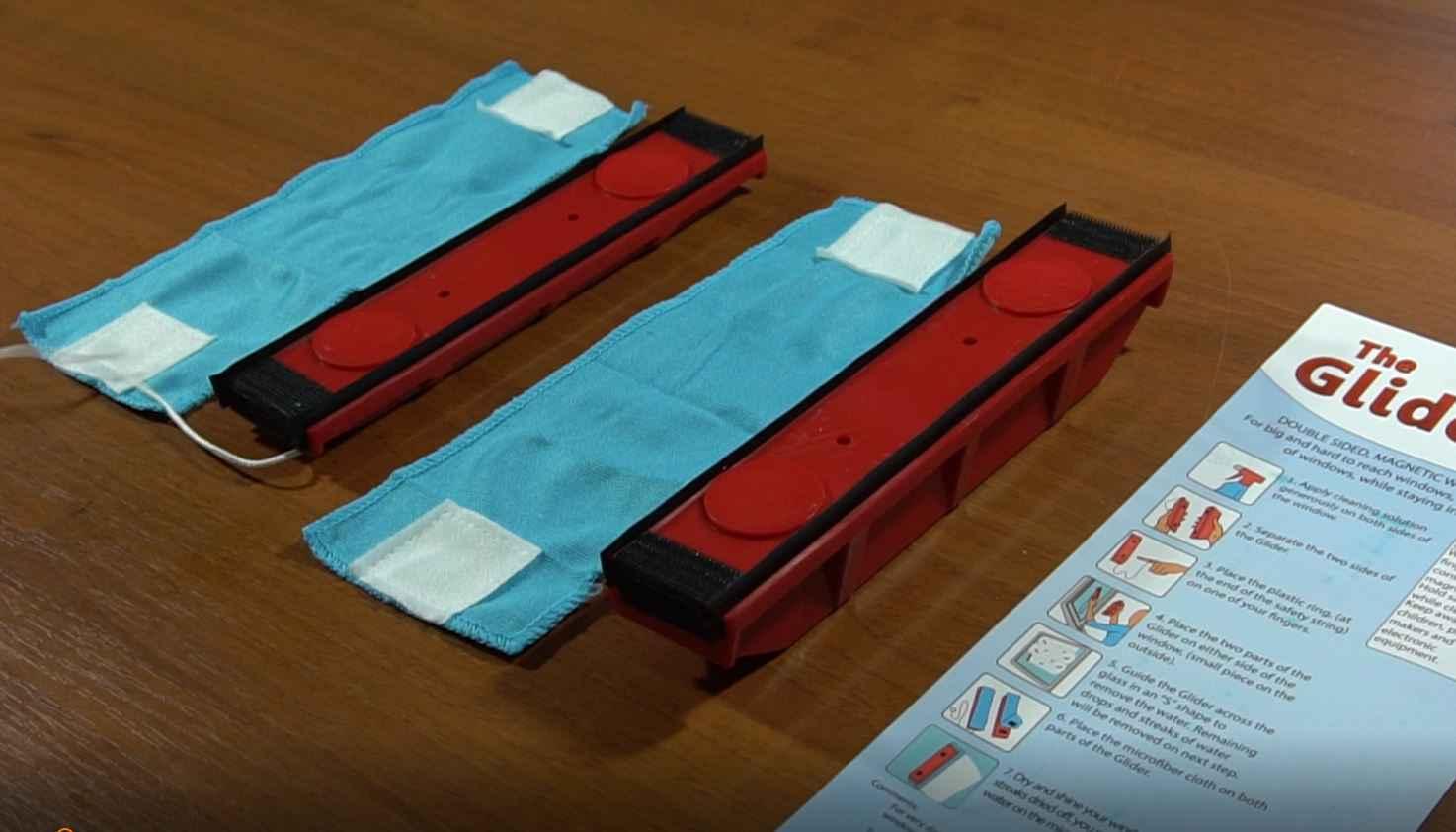 test glider tyroler le lave vitre magn tique neozone. Black Bedroom Furniture Sets. Home Design Ideas
