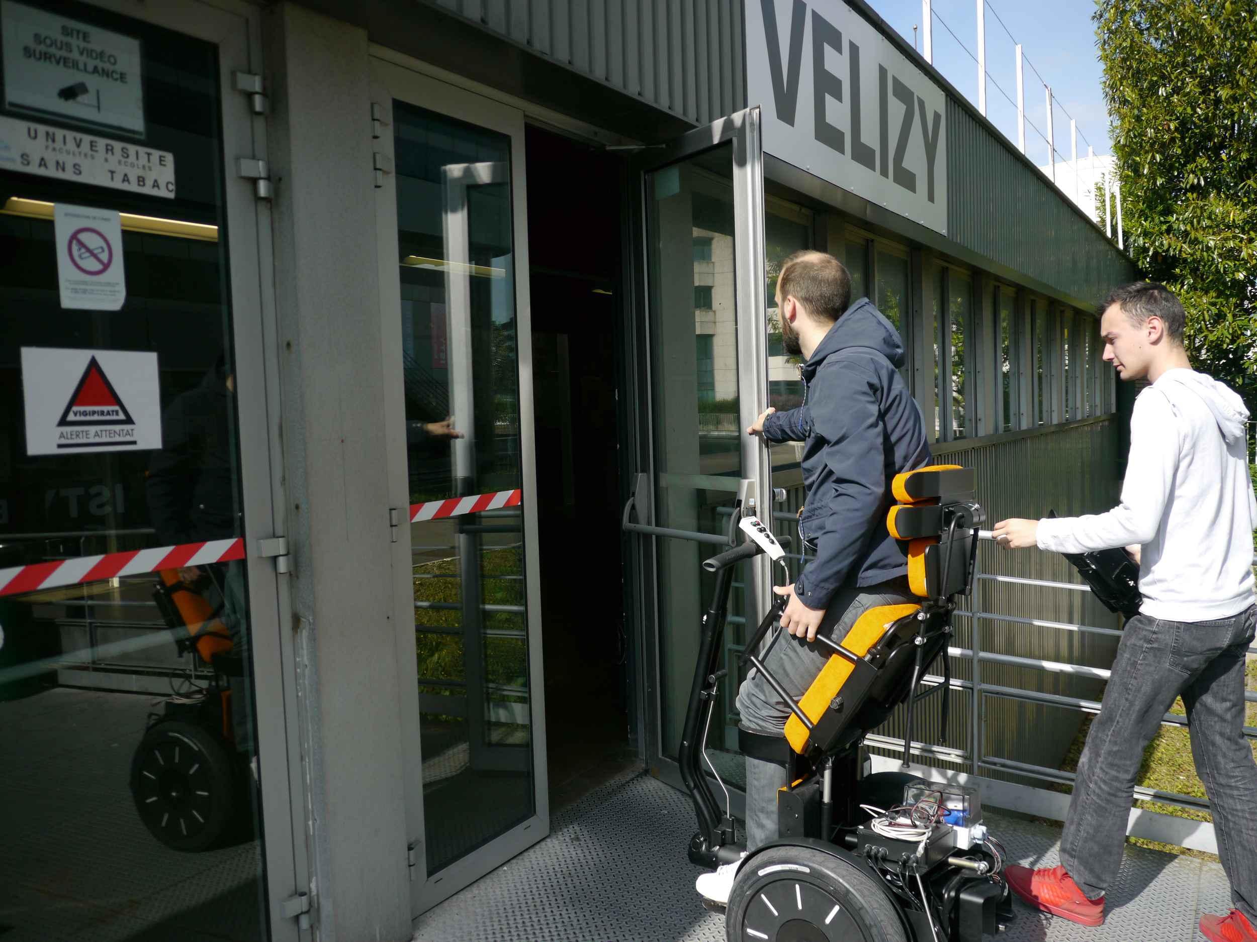 Verticalisation, gyropode, voici Gyrolift, le fauteuil roulant du ...