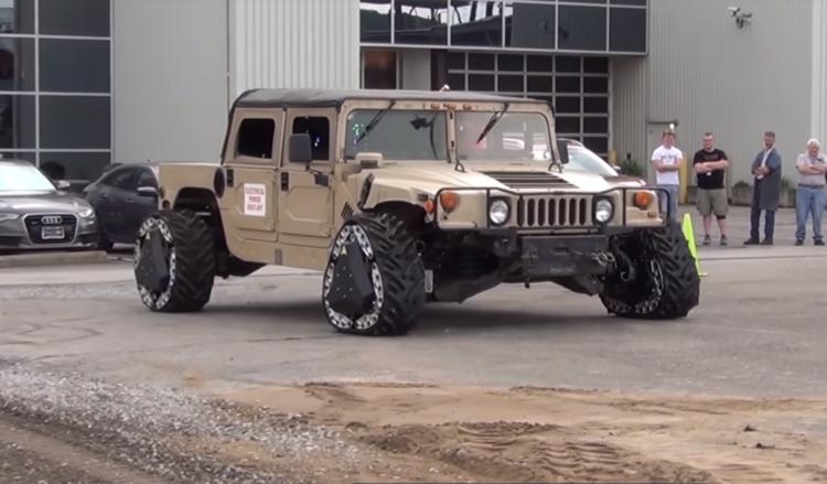 DARPA GXV-T, la roue qui se transforme en chenille en roulant (et vice versa)