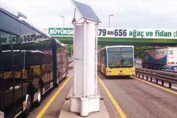 DEVECITECH : Enlil, l'éolienne qui utilise le vent du trafic routier pour créer de l'électricité