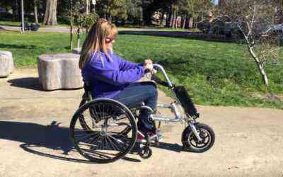 Firefly, guidon et troisième roue électrique pour les fauteuils roulants