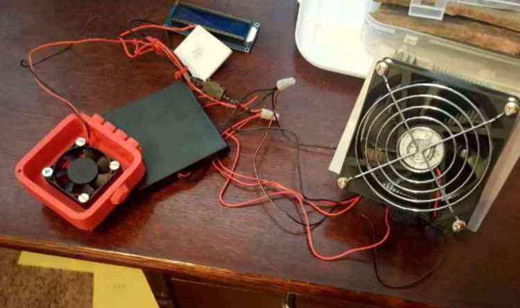 Un garçon de 10 ans invente un appareil pour alerter et secourir les enfants oubliés dans les voitures l'été