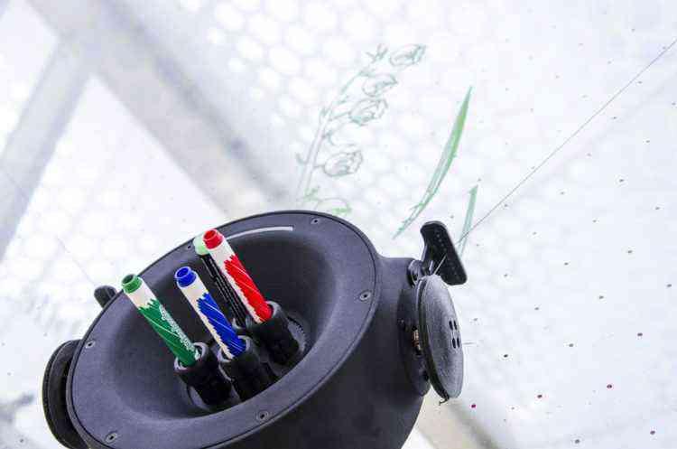 SCRIBIT, le robot autonome qui dessine sur les murs