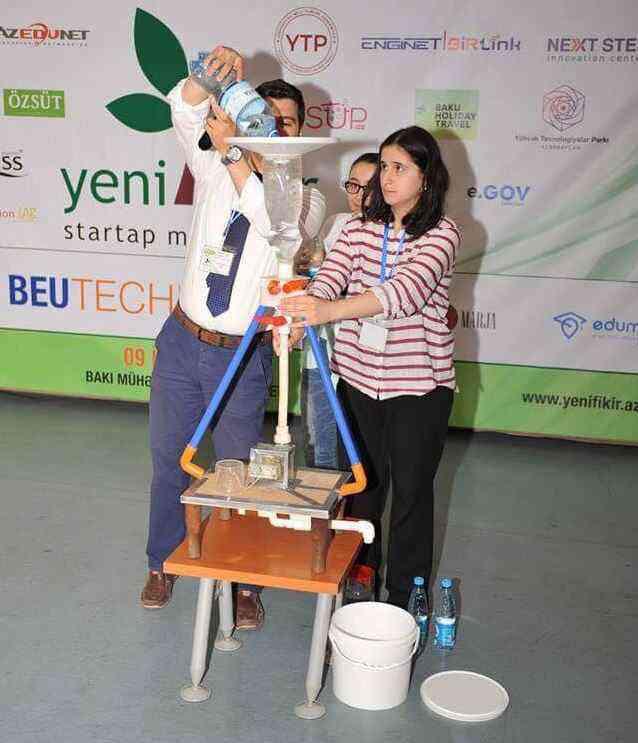 Une jeune fille de 15 ans invente un appareil pour produire de l'énergie avec l'eau de pluie
