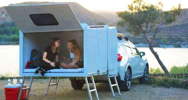 Hitch Hotel, la caravane télescopique sans roue qui se fixe directement à l'arrière des véhicules